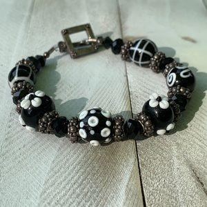 • handcrafted glass bead bracelet [black//white] •